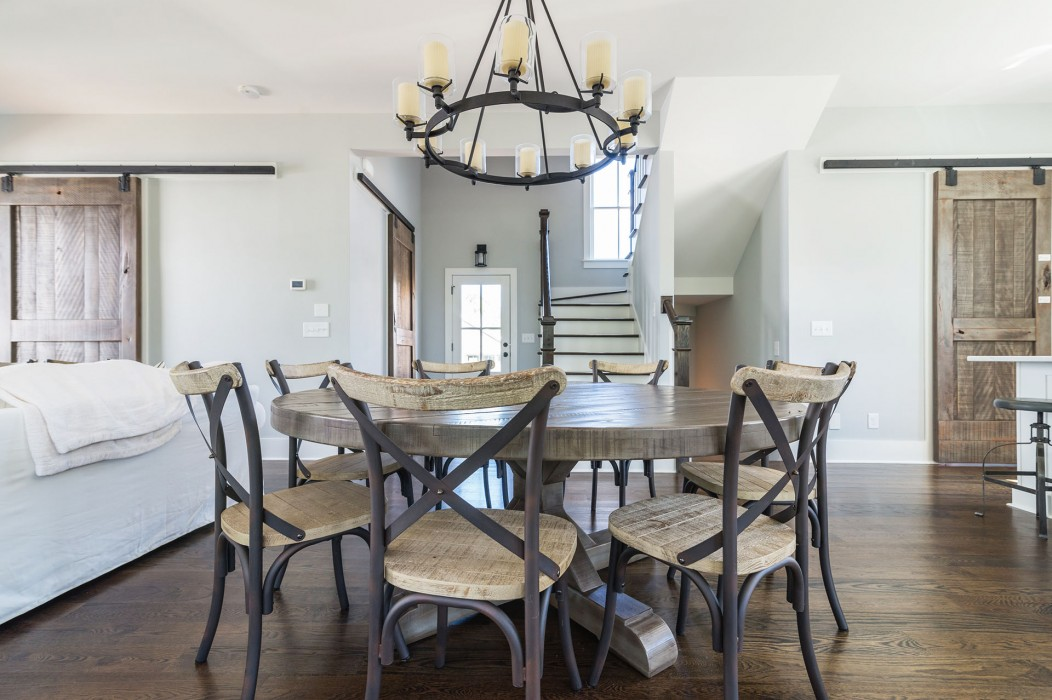rustic-fine-dining-table-1052x700